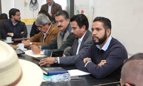 Autoridades y habitantes de Capacuaro definen acciones para el desarrollo integral de la comunidad