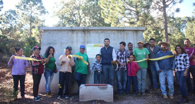 Inaugura Octavio Ocampo obra que garantiza abasto de agua potable en El Retaje
