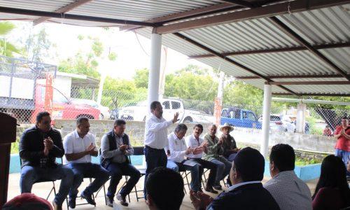 Pone en marcha Lupillo Aguilera rehabilitación de red carretera Chupio-Las Norias
