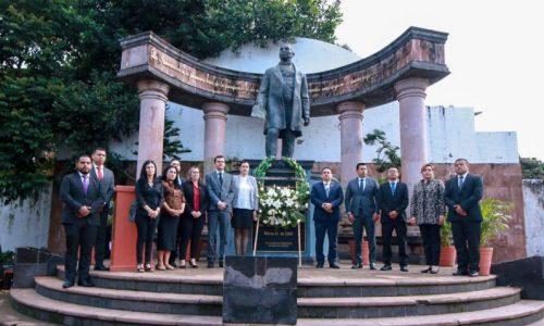 Encabezó Víctor Manríquez 147 aniversario luctuoso de Benito Juárez