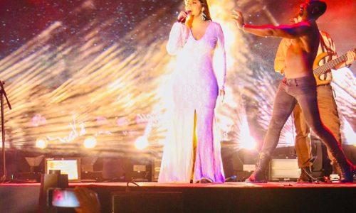 Más de 12 mil personas disfrutaron de Yuridia en concierto