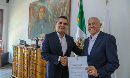 Designa Gobernador a Pascual Sigala como coordinador de asesores