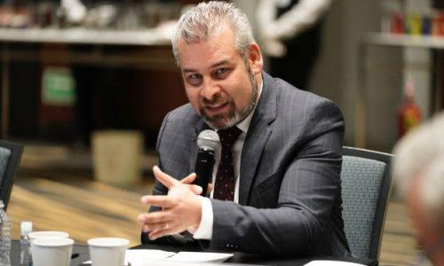Voluntad de construir acuerdos, clave para resolver el conflicto magisterial: Bedolla